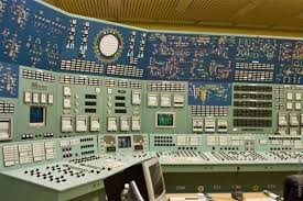 Sala de Controle Antiga Utilizando Sistema Eletrônico Analógico