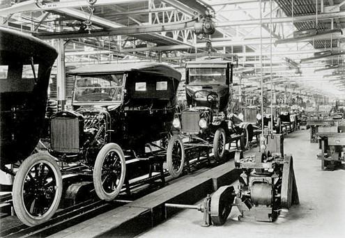 Linha de Produção de Automóveis - Indústria 2.0